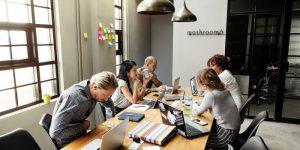 Melhorando a comunicação interna em marketing e vendas